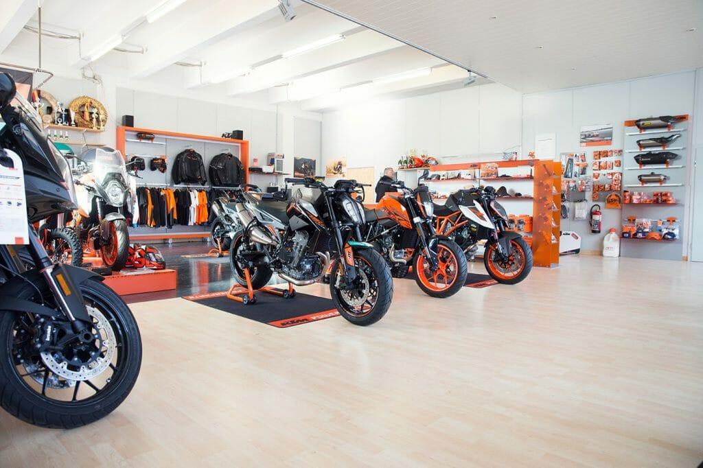 KTM Alskom Motocycle GmbH Verkausraum Motorräder, Ersatzteile und Bekleidung